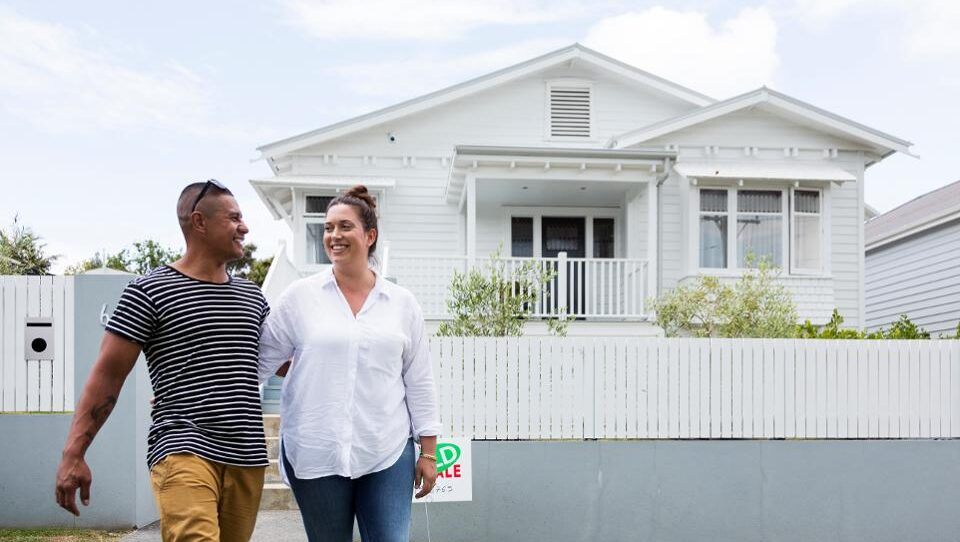 Should You Refinance Your Mortgage When Interest Rates Are Low